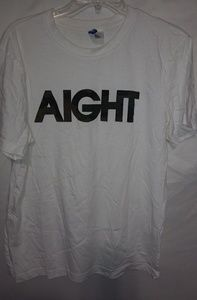 DIVIDED White AIGHT T-shirt Sz M